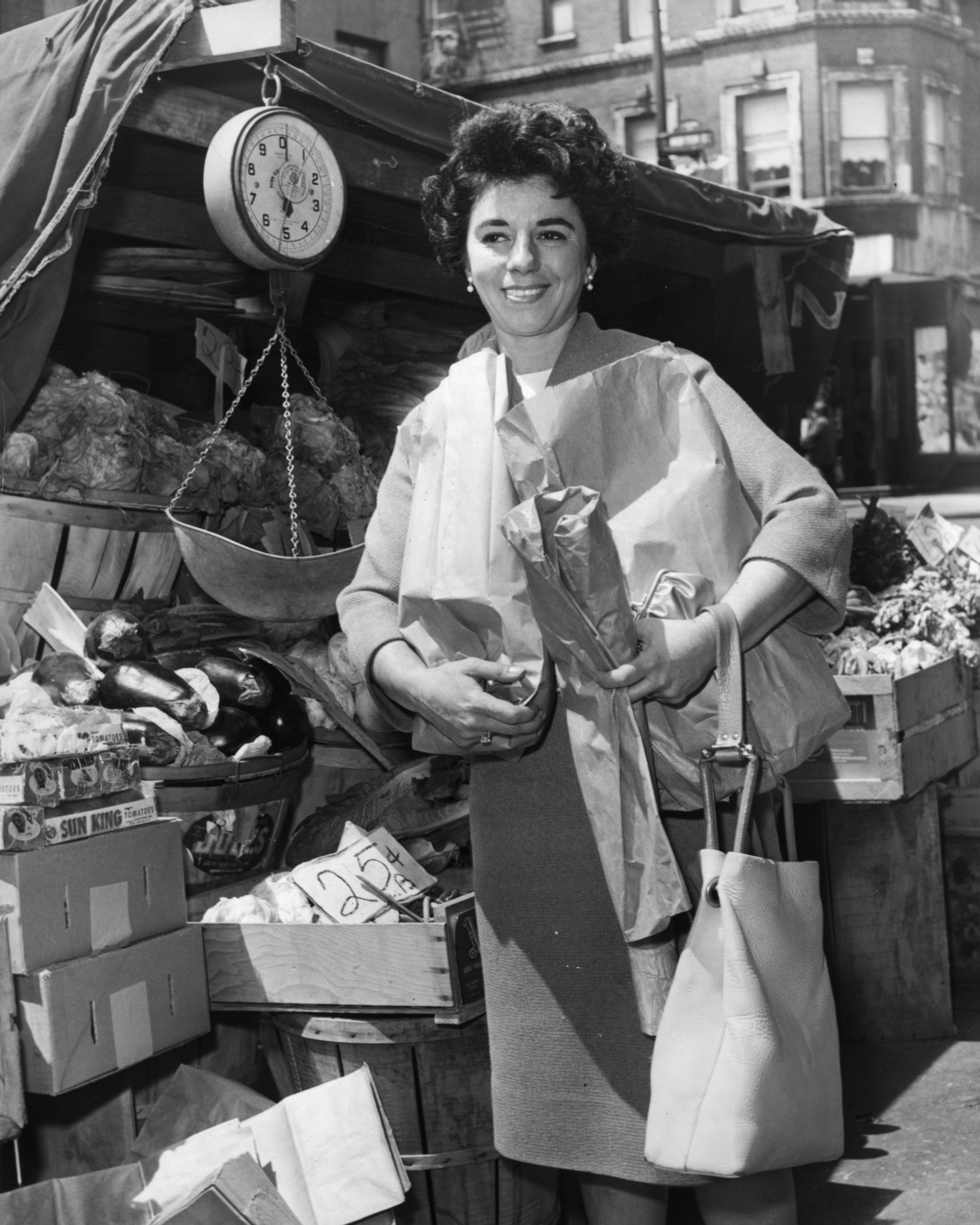 Miss Ellen Lewin Shoping In Bleecker St Market New York